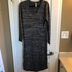 3 FOR $20 💫 Long Sleeve Heather Black Dress